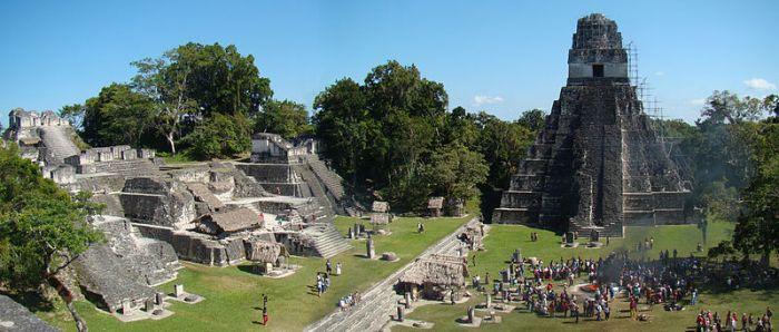 800px-Tikal-Plaza-And-North-Acropolis
