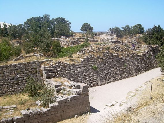 800px-Walls_of_Troy_(2)