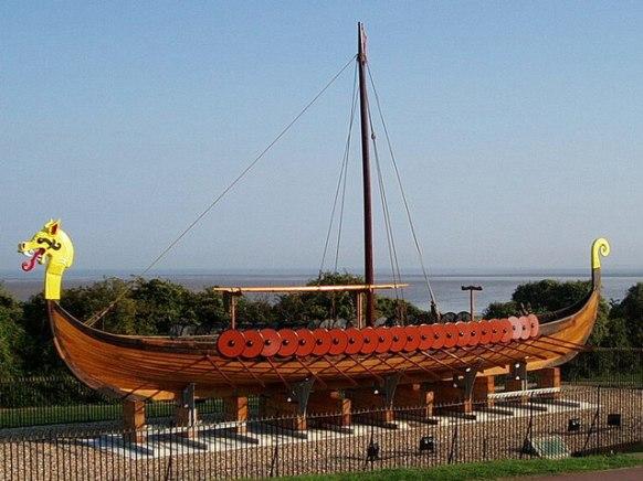 Viking_Longboat_Hugin-geograph.org.uk-653079